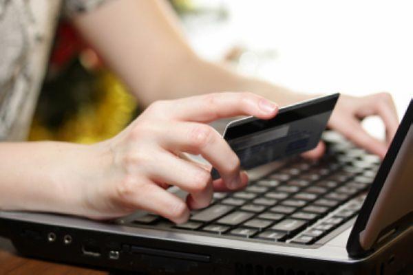 Íme az internetes vásárlás előnyei és a buktatói