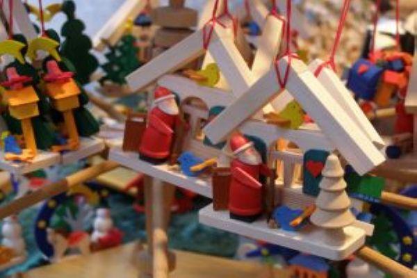 Indulhat a karácsonyi vásár – irány a Vörösmarty tér?