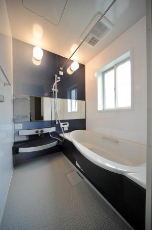 Fürdőszobai lámpák a wellness élmény szolgálatában